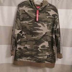 Man's sweater military style